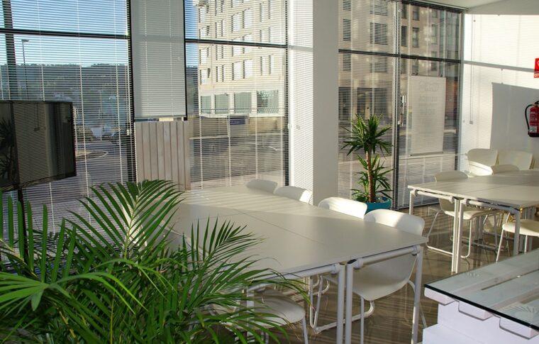 Двухэтажное офисное помещение с террасой